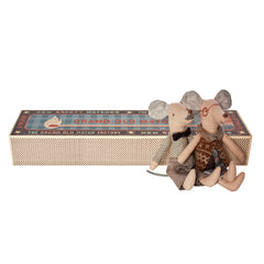 Mouse In Box - Grandpa & Grandma