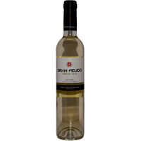 Bottle of Gran Feudo Moscatel Dulce desert wine