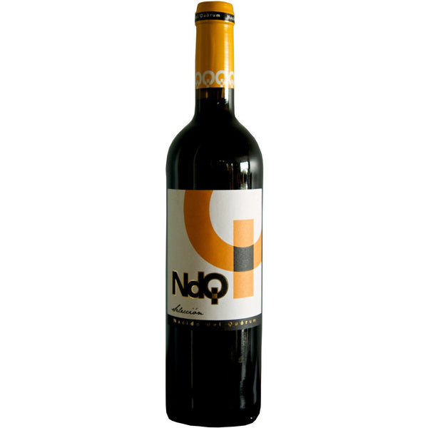 Bottle of NDQ Selección Monastrell Syrah red wine