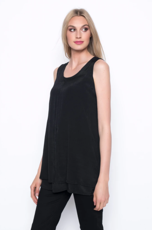 Layered Tank With Front Slit
