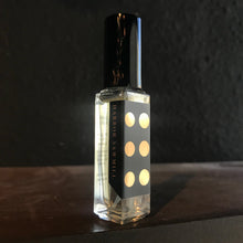 Load image into Gallery viewer, AQUATIC & WOODY fragrance 8ml