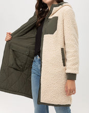 Load image into Gallery viewer, Reversible Contrast Coat - CeCe Fashion Boutique