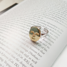 Load image into Gallery viewer, Artsy Face Ring - Pine Jewellery