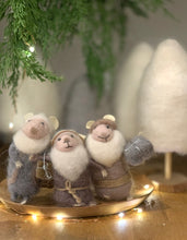 Load image into Gallery viewer, The  3 Wise Christmas Mice