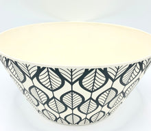 Load image into Gallery viewer, 25cm Patterned Bowl