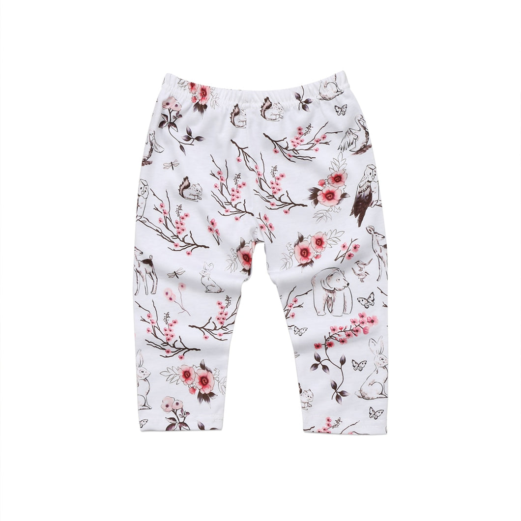 The wildlife print on these baby pants epitomize the Sooo Sweet style—floral, fauna, and sooo sweet!