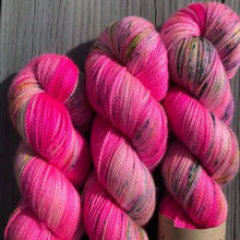 Load image into Gallery viewer, Emma's Yarn Super Silky