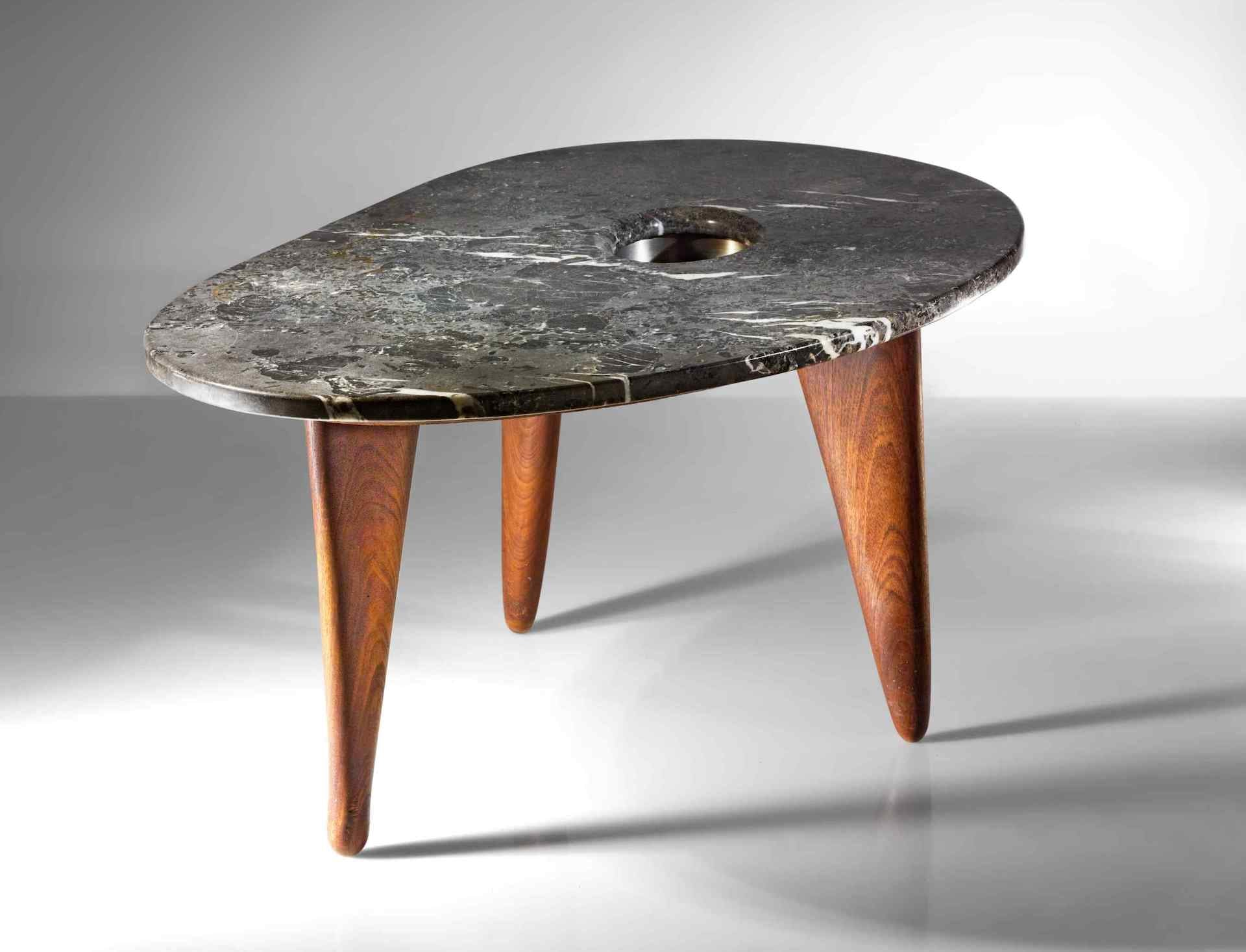 Sotheby's New York 25 May 2021 -Important Design: from Noguchi to Lalanne [lot 70]: Important Table by Isamu Noguchi, 1945-1947. Estimate: $700,000 - $900,000. Sold: $1,109,000. Photo © Sotheby's