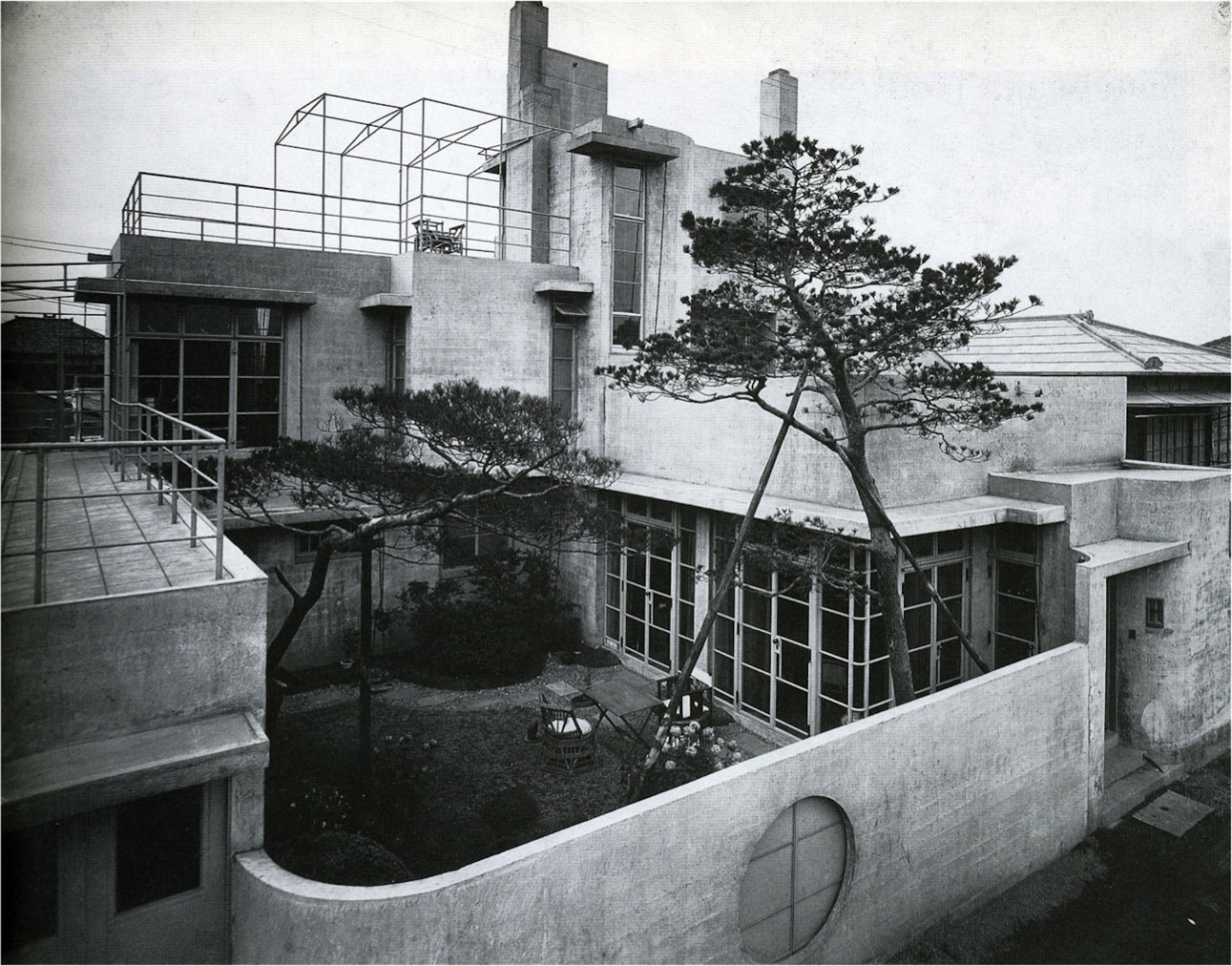 In 1924, Antonin and Noémi Raymond constructed their home, the Reinanzaka House in Tokyo, the first modern concrete house in Japan. Photo © Creative Commons