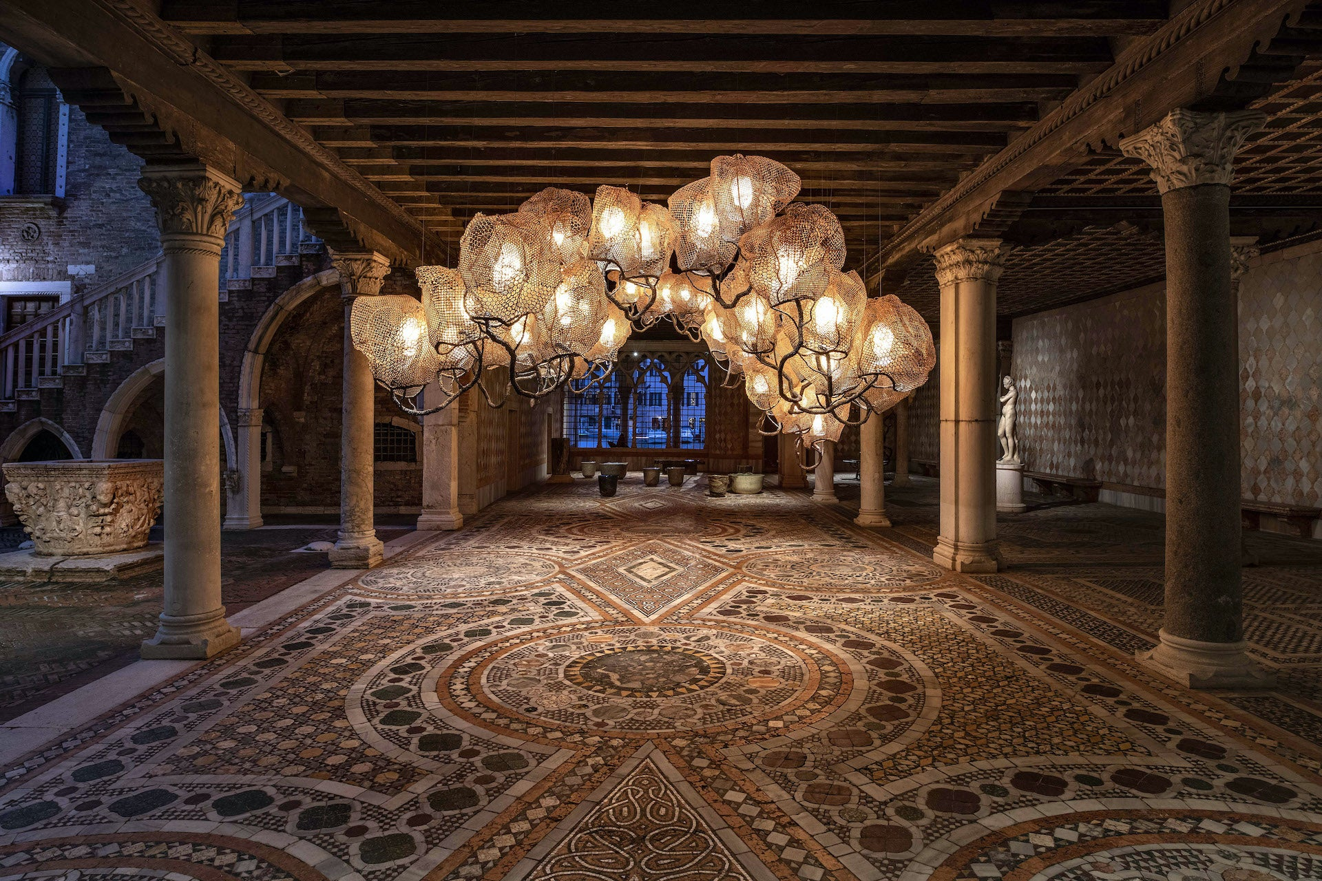 Inside a Forest Cloud Chandelier by Nacho Carbonell for Carpenters Workshop Gallery, installed at Galleria Giorgio Franchetti alla Ca' d'Oro in Venice, 2019. Photo © Carpenters Workshop Gallery