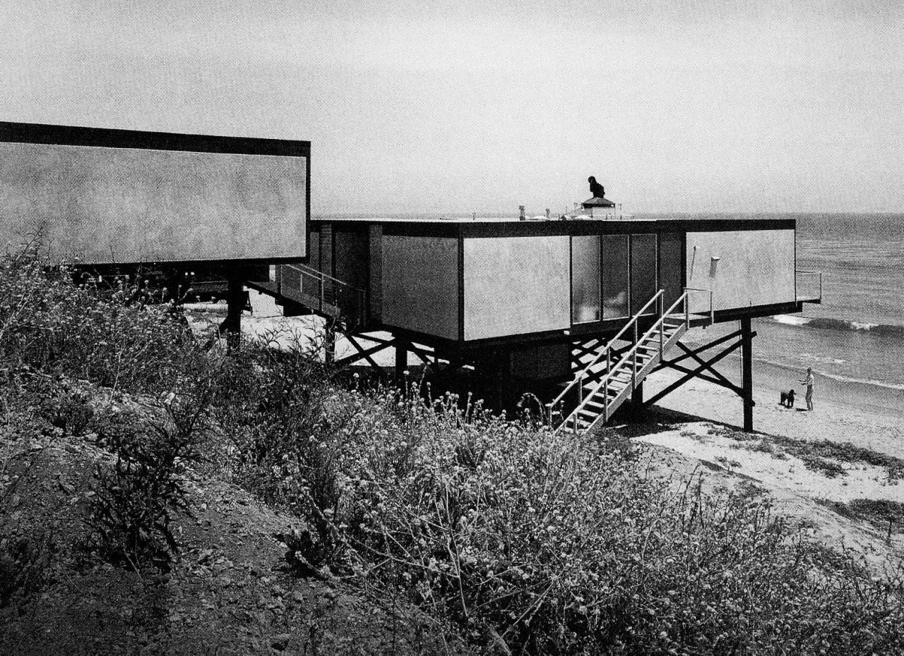 Ellwood's Hunt House (1955-1957) in Malibu. Photo © © Marvin Rand; courtesy of Heritage Auctions