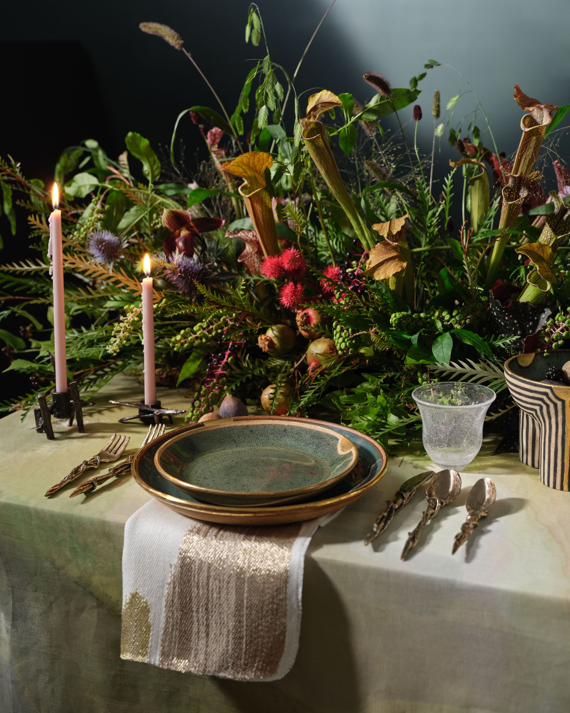 The Feast, curated by Kristen McGinnis. Featuring one-of-a-kind works by artist-designers Jeremy Anderson, Yolande Milan Batteau, Farrell Hundley, Michiko Sakano, and Hiroko Takeda. Photo © DM/BX