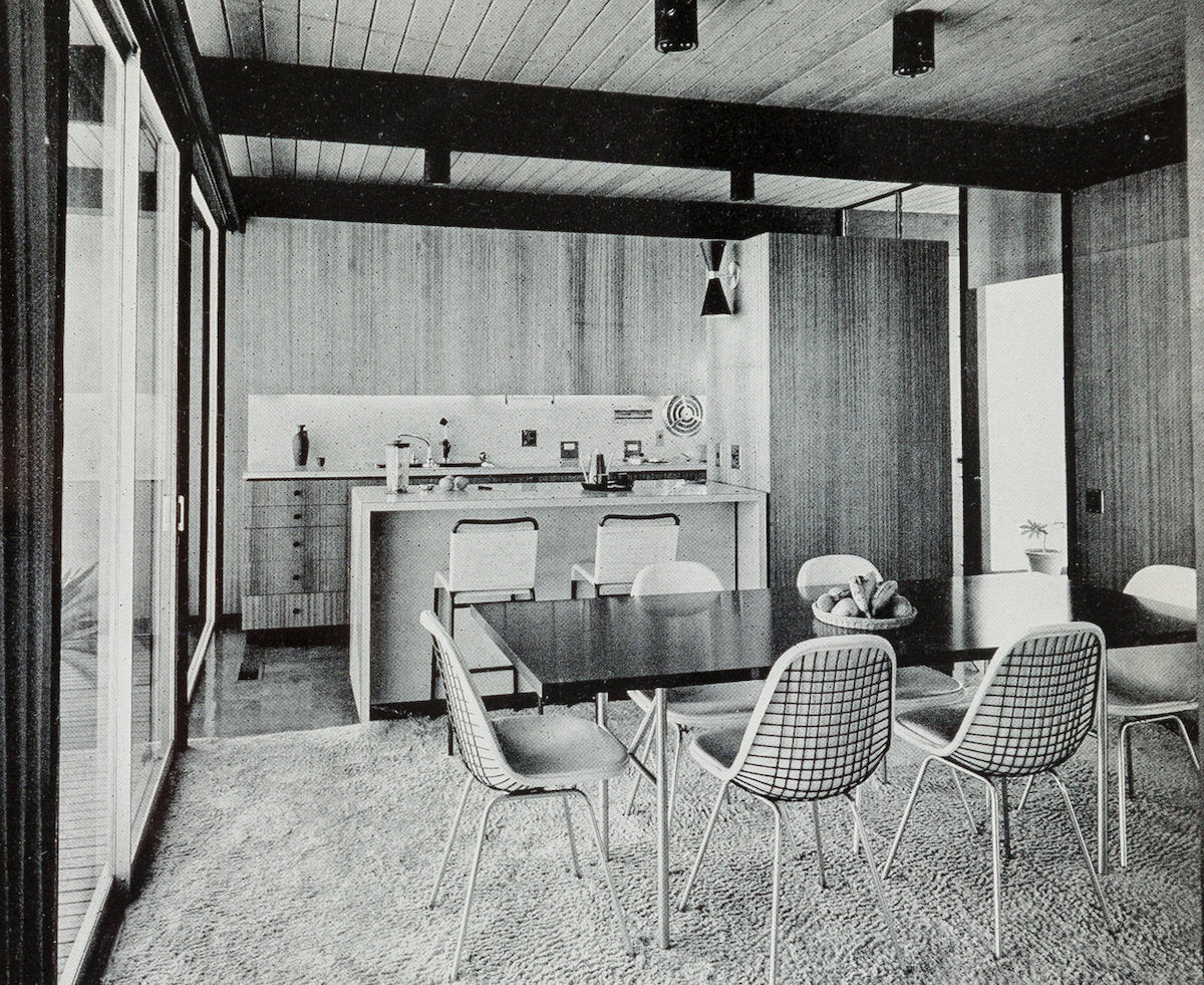 Inside Craig Ellwood's Hunt House, circa late 1950s. Photo © Marvin Rand; courtesy of Heritage Auctions