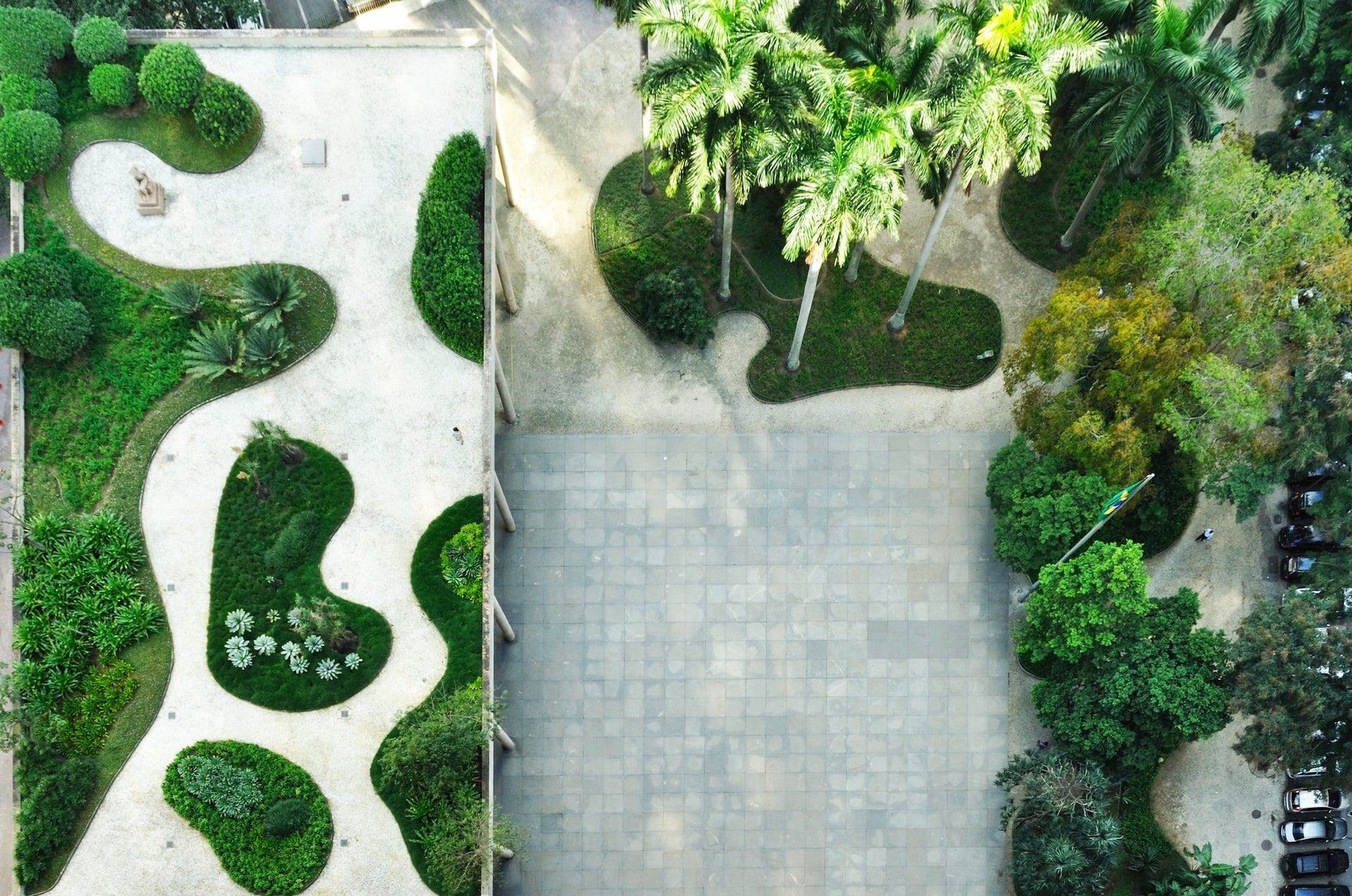 Another example of quintessential American design? Campana picks the Palácio Gustavo Capanema, Ministry of Education and Health, Rio de Janeiro by Roberto Burle Marx. Image © FADB, via Flickr