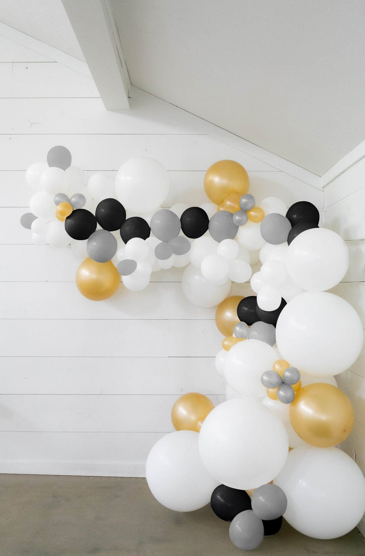 50 Ft Diy Balloon Garland Kit With White Black Gold Silver Balloon Balloons And Weights