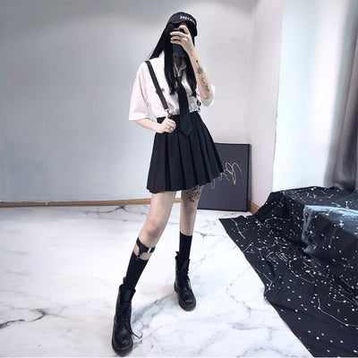 Ghost Girl Darkness Punk Shoulder Strap Pleated Skirt J40390