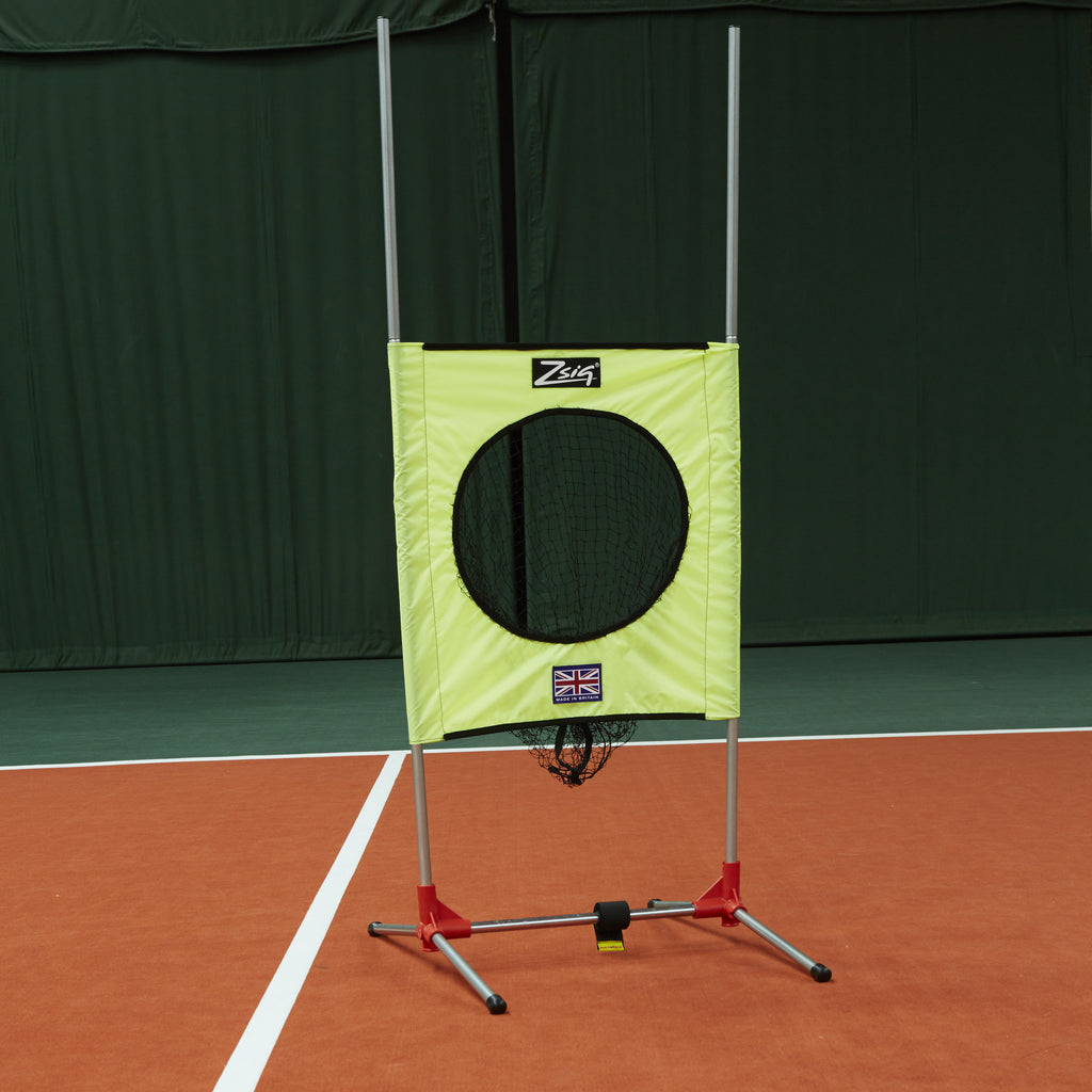 Zsig portable Target Trainer, target lowered, giving two target zones - central circle and between the poles.