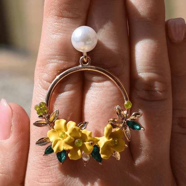 4 set Flower and Pearl Gold Hoop Earrings with Gift Box - Ella Moore