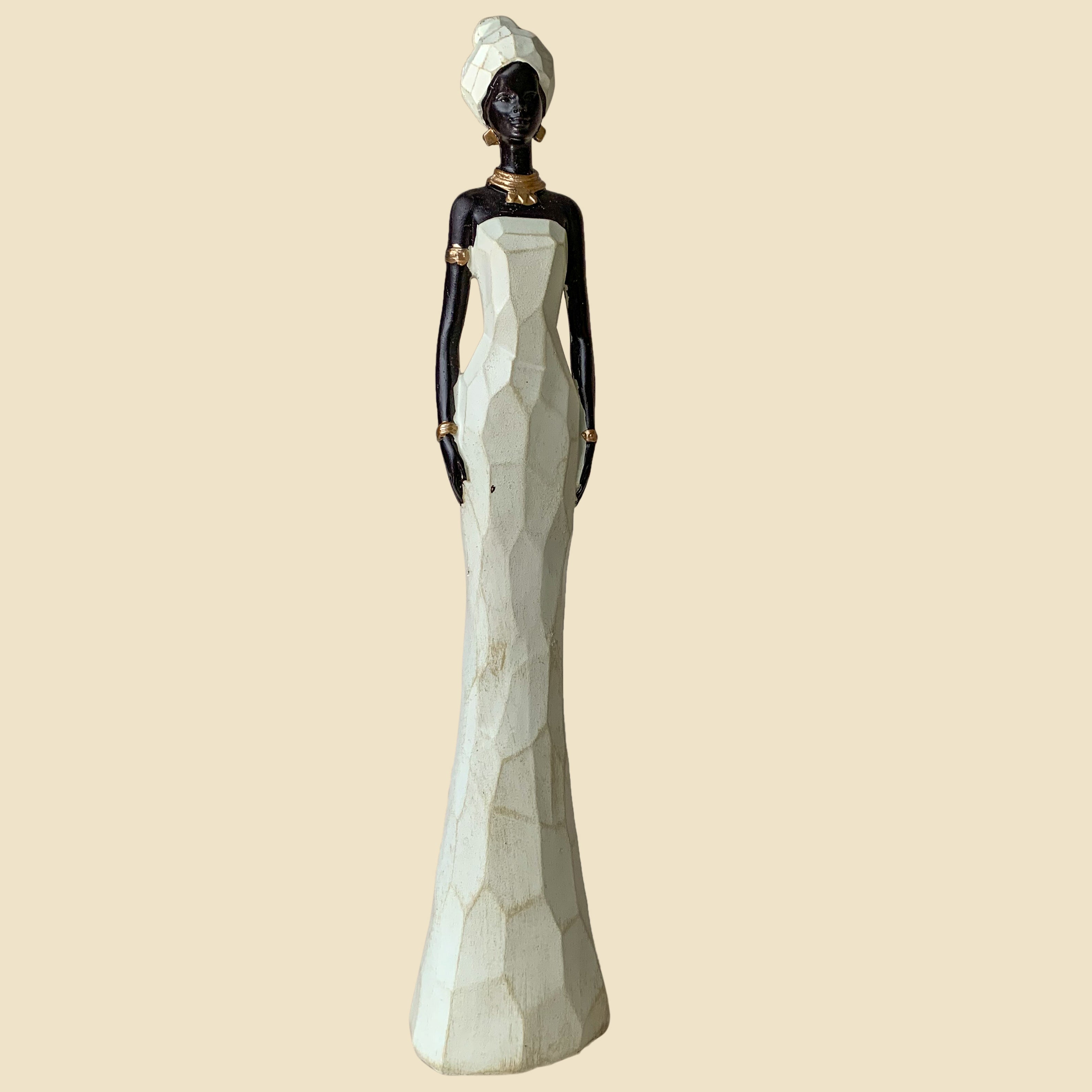 Trudy white and black figurine (large)