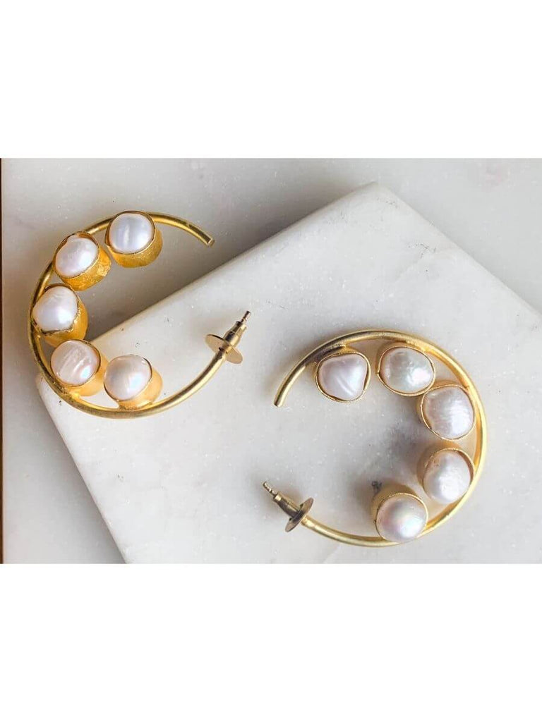 Stones and Pearl Collection
