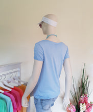 "Laden Sie das Bild in den Galerie-Viewer, Shirt ""Pur Basic"" schmale Form Onesize in Hellblau SALE Viskose"