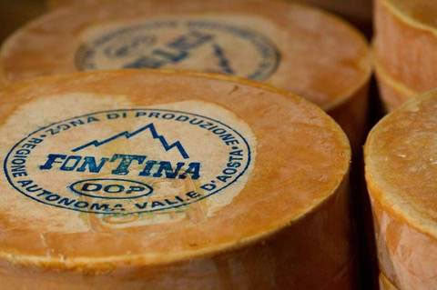 Fontina DOP: an ancient cheese from Valle d'Aosta