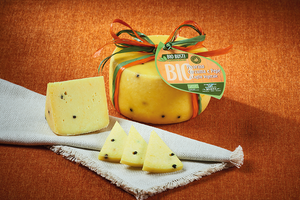 Pecorino Tumeric and Black Pepper - Veg Rennet 250g Organic