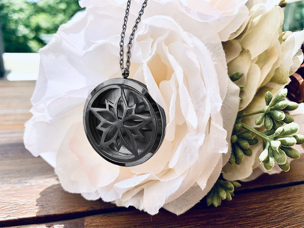 Sanctuary Girl Diffuser Necklace: Gun Metal Gray