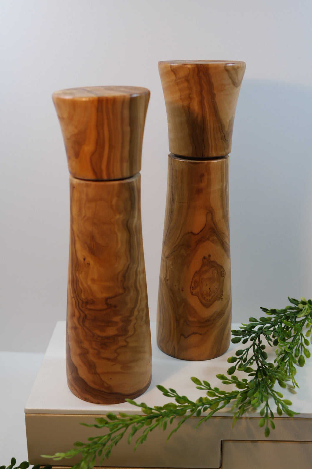 Olivewood Glory - Grinder Small Salt & Pepper - Nasselquist Jewellers