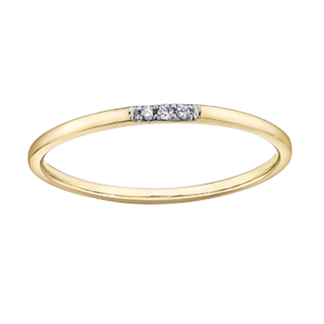 Yellow Gold Thin Band with Diamond