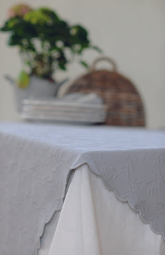 Delphine table cloth is a specially designed for those who are looking for an unique table cloth.This 100% jacquard cotton table cloth has been stonewashed to give it this special finish, it also makes it easy to maintain as it will not shrink after washed or tumbling. All  sides are finished with a lovely scalloped edge.