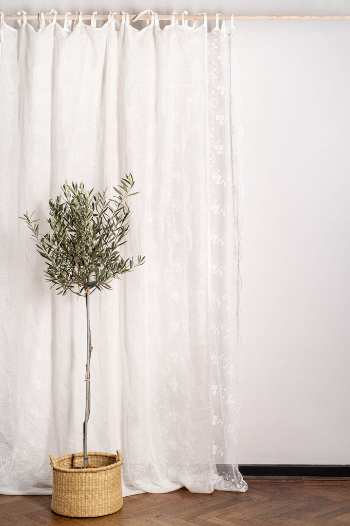 Hélène is a luxuriously designed curtain with roses embroidered all over. This elegant curtain is finished with velvet ribbons. Can be used in combination with the Emma and Lidi linen curtains or on its own.