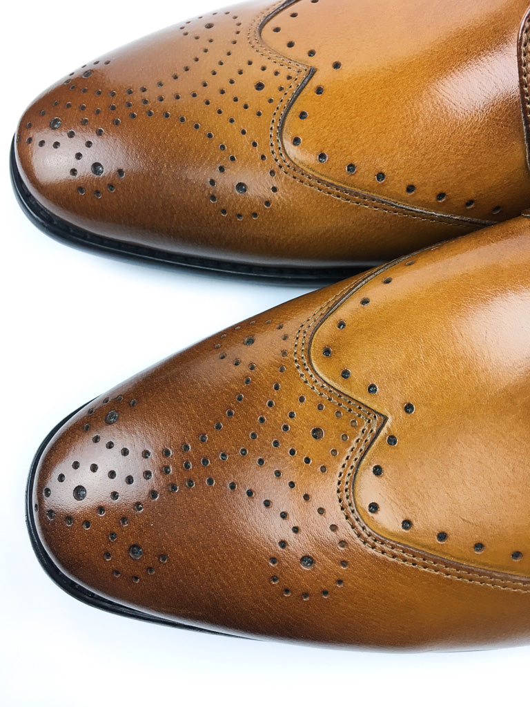 Brogue Wingtip Derby - Tan