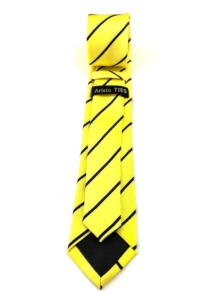 grooms tie for wedding