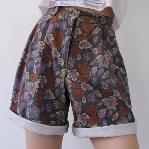 Retro Leaves Casual Shorts