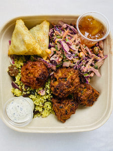Fruity couscous, spicy slaw with Indian nibbles salad box