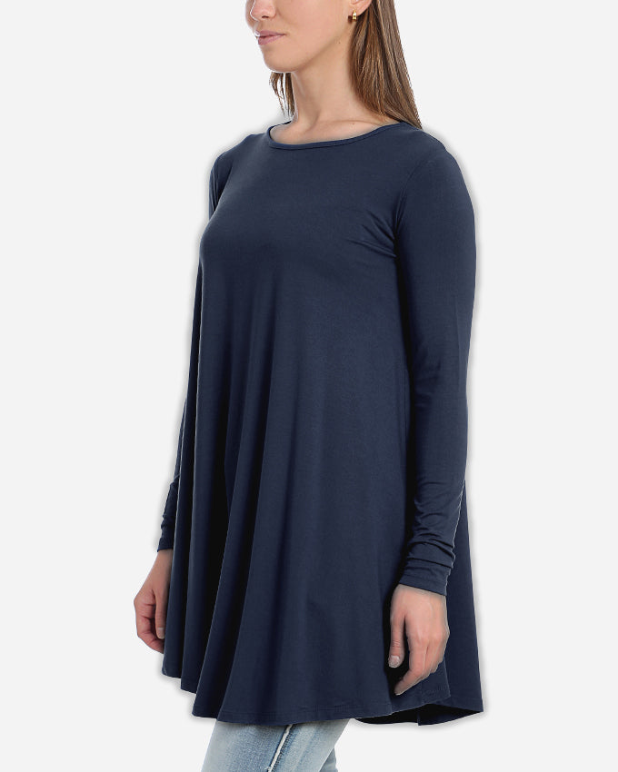 A  SHAPED AND LONG ROUND NECK BLOUSE
