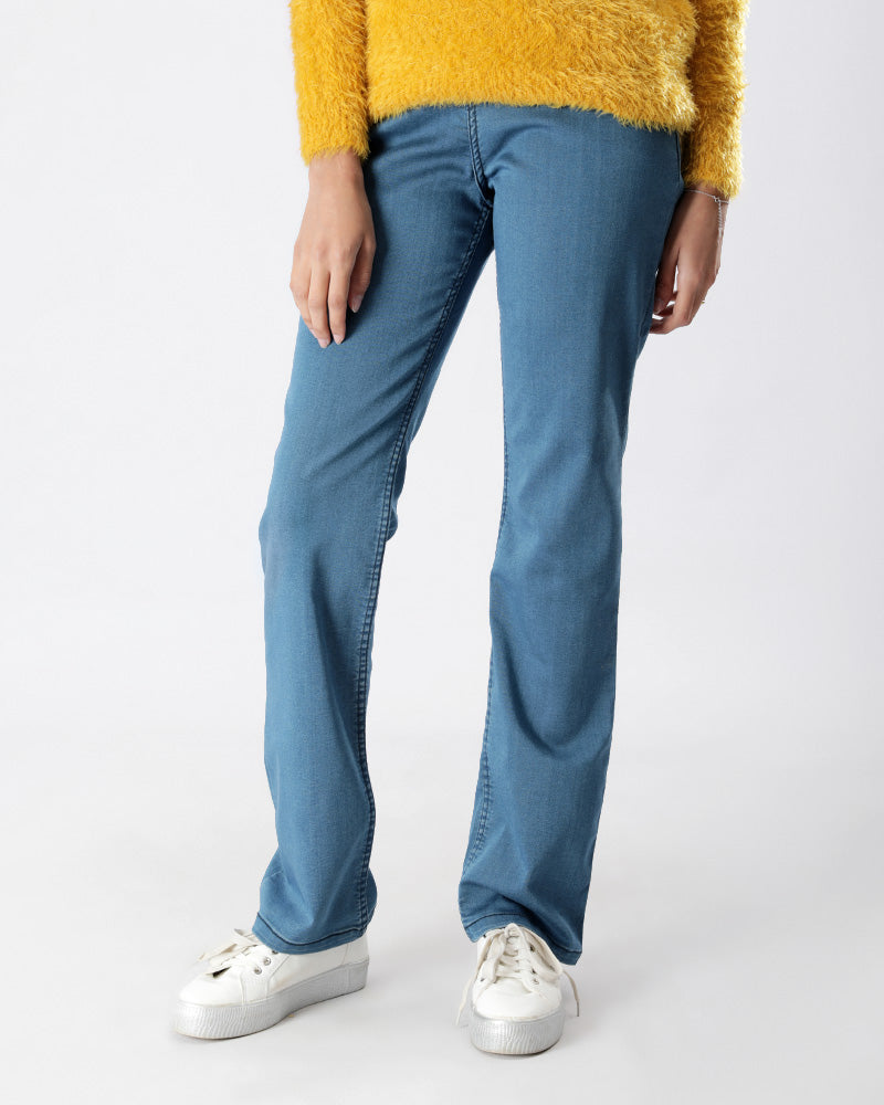 BASIC JEANS WITH ELASTIC WAIST FOR EXTRA COMFORT