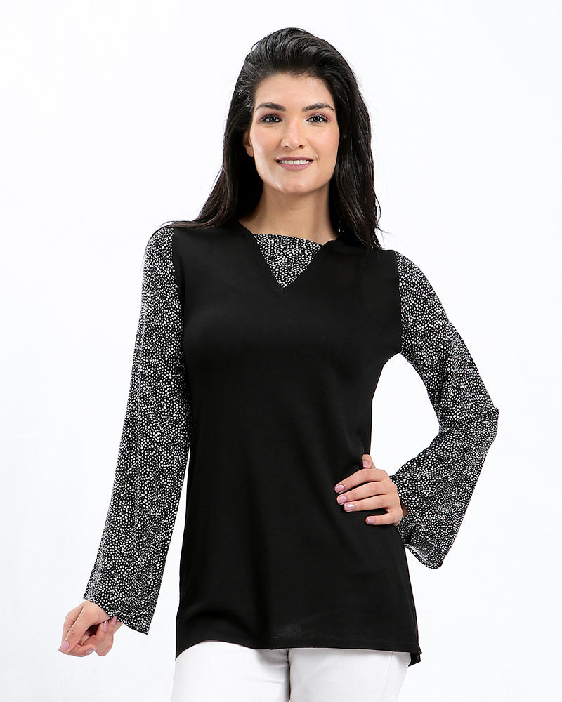 KNITWEAR BLOUSE ATTACHES WITH SILKY   SLEEVES
