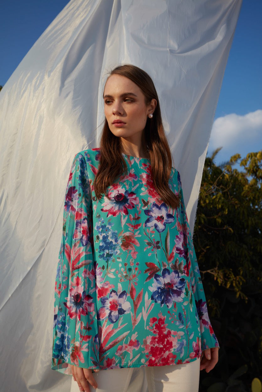 ANGEL BLUE SILKY CREPE CHIFFON BLOUSE IN A ROMANTIC FLORAL PRINT AND PLEATED KIMONO SLEEVE