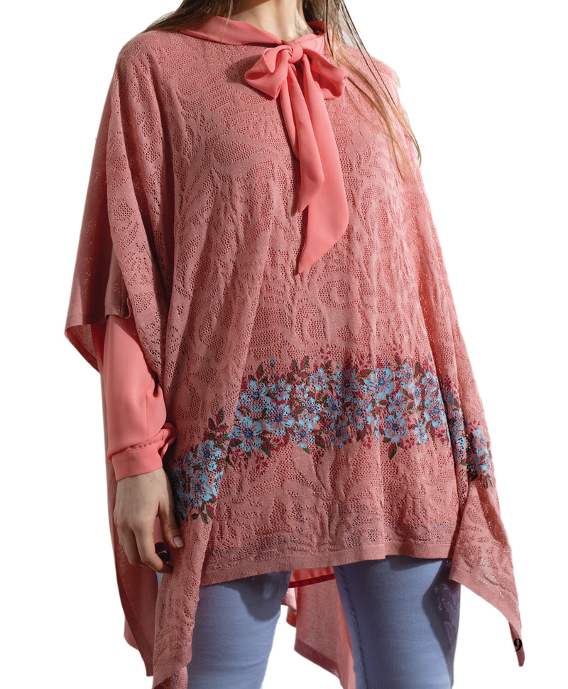 ONE SIZE ANTIQUE ROSE KNITWEAR AJOUR PONCHO WITH A SKY BLUE FLORAL PRINT AND A GORGEOUS KNITWEAR PATTERN