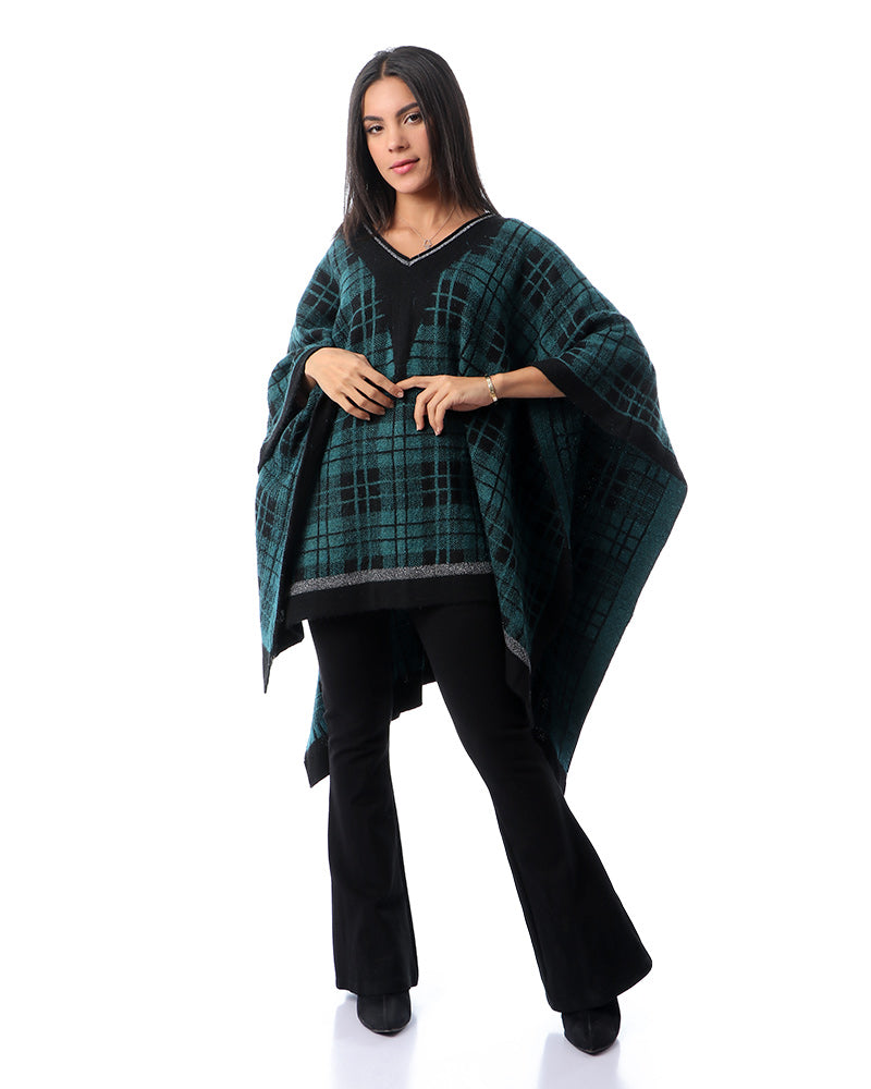 FREE SIZE - COTTON KNITWEAR PONCHO IN EMERALD GREEN AND BLACK GEOMETRIC PATTERN