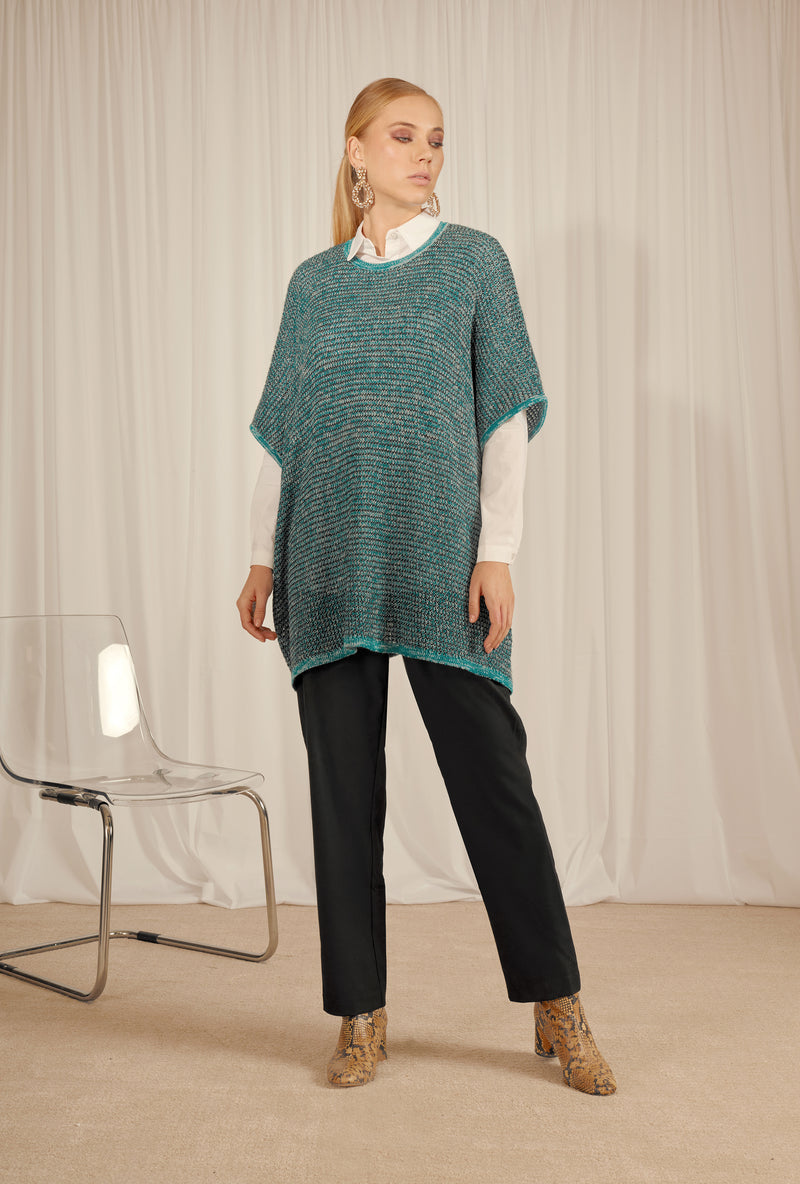 OVER SIZED KNITWEAR BLOUSE WITH SHINY SILVER LUREX YARN