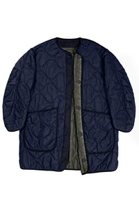 The Signature Reversible Quilt, Navy
