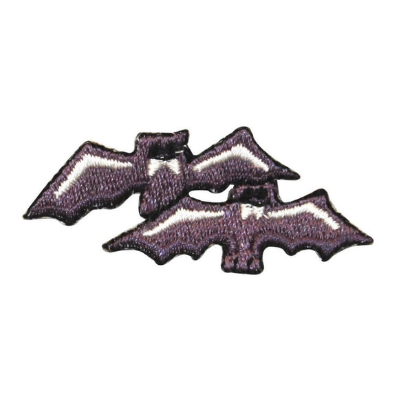 ID 0931 Pair of Bats Fly Patch Halloween Spooky Bat Embroidered Iron On Applique