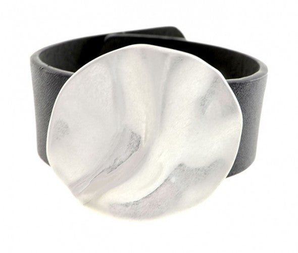 HAMMERED METAL DISC LEATHER CORD CUFF BRACELET SNAP CLOSURE
