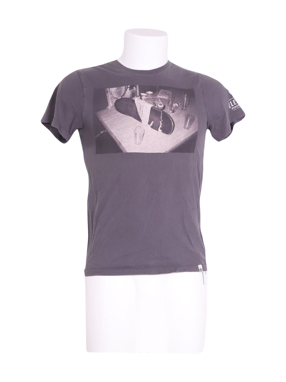 Front photo of Preloved Element Grey Man's t-shirt - size 36/S