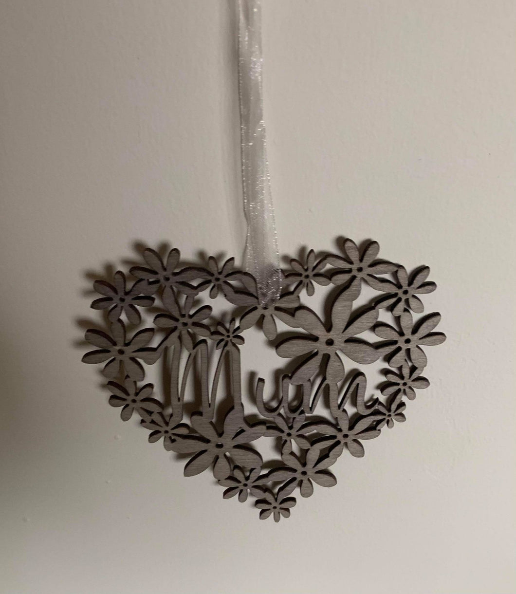 Heartfelt Fretwork MUM heart hanger