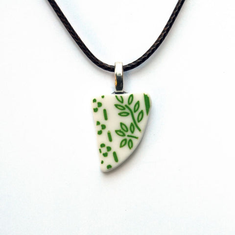 Green and White Pendant Necklace