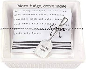 Mudpie Fudge Baker with Towel Set